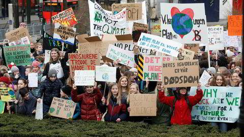 Unge er langt mer bekymret og mer villige til å gjøre noe for å redde klimaet enn foreldre- og besteforeldregenerasjonen.