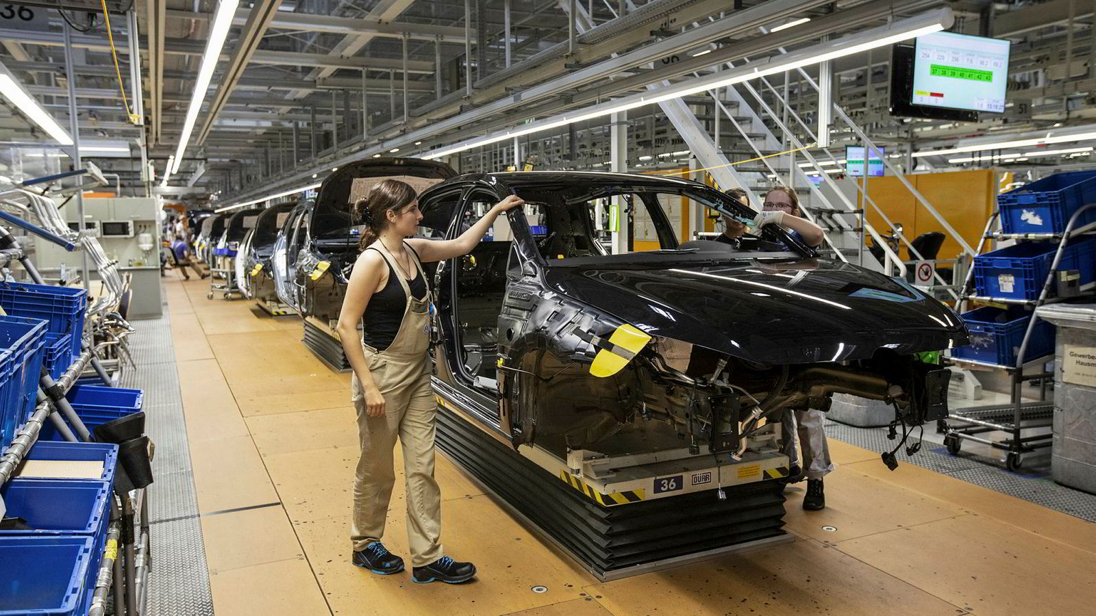 Nedturen for Tysklands bilindustri kan forklare nesten tre fjerdedeler av fallet. Den utgjør nesten fire prosent av tysk brutto nasjonalprodukt (bnp). Her fra Volkswagens bilproduksjonsanlegg i Zwickau, Tyskland.