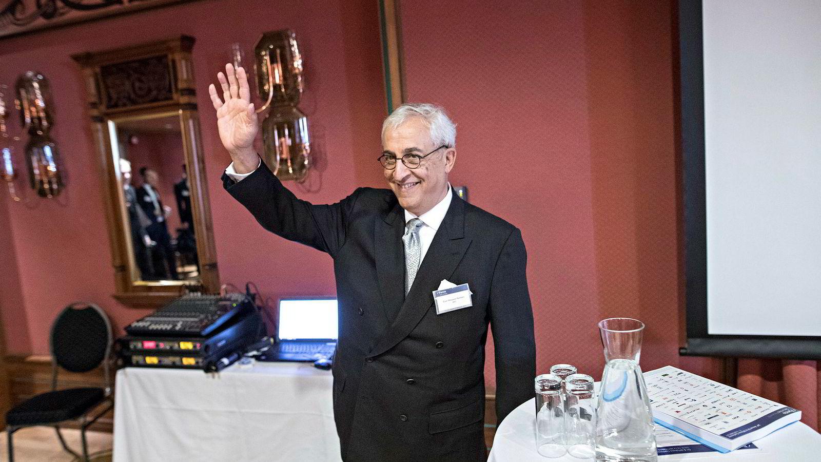 DNO-sjef Bijan Mossavar-Rahmani kunne torsdag glede aksjonærene med å åpne utbyttekranen for første gang på 13 år. Den tidligere radiografen Ivar Arvid Molvær har det siste halvåret tjent rundt 50 millioner kroner på kurshoppet i DNO-aksjen.