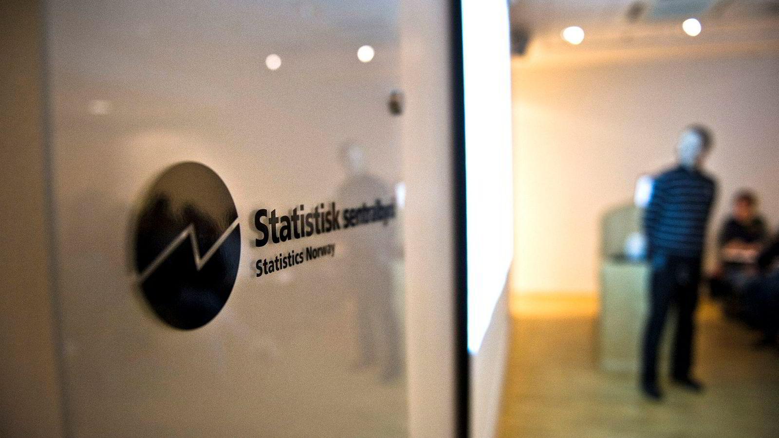 Etter vårt syn må SSB spisse sin forskningsavdeling så den lever opp til den kvalitetssikring det er naturlig å forvente fra en offentlig institusjon med offentlige midler til forskning, skriver artikkelforfatterne.