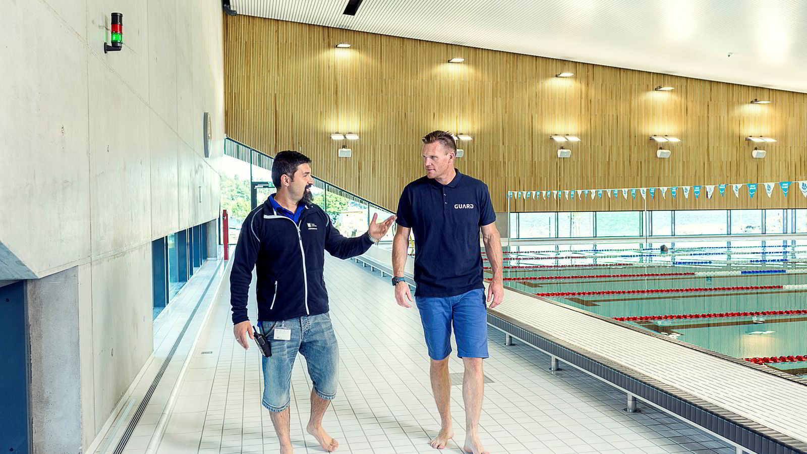 Styrer svømmehallen via en smartklokke