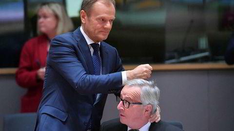 Europarådets president Donald Tusk (til venstre), her på torsdagens EU-toppmøte i Brussel sammen med Europakommisjonens president Jean-Claude Juncker.