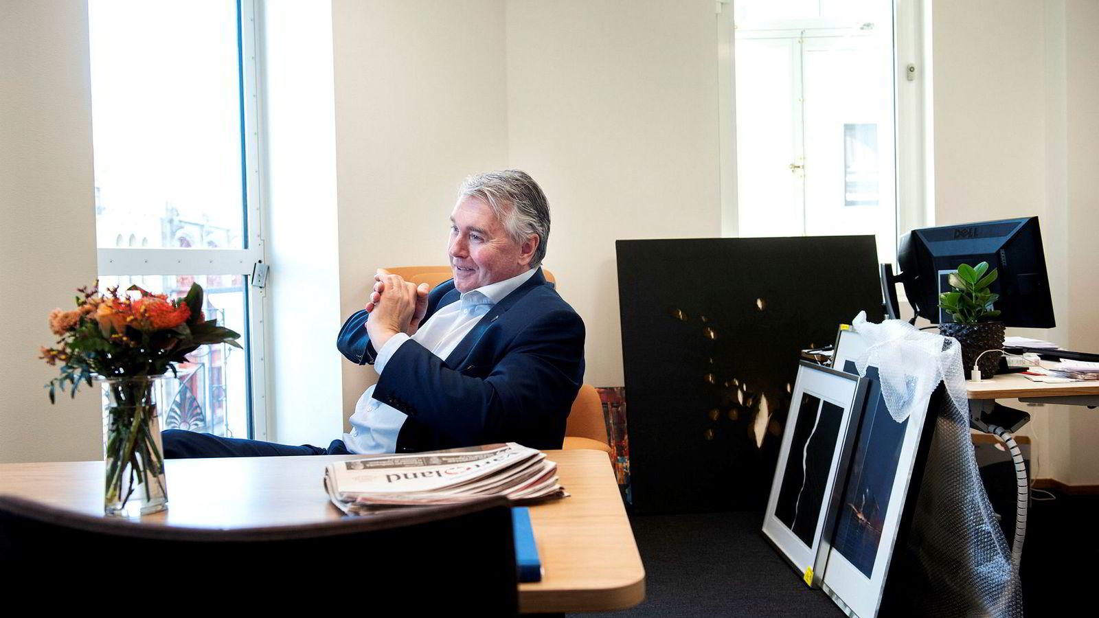 Høyres parlamentariske leder, Trond Helleland, har ledet prosessen med å lage de nye kjørereglene for samarbeid mellom regjeringspartiene. Han mener partiene må slutte med offentlige debatter mot hverandre.
