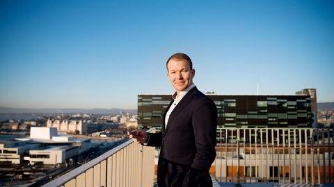 Kommunikasjonsdirektør Thomas Midteide i DNB sier de ikke vil erstatte fondseierne i DNB Norge for mye betalt kostnader i fondet. Foto: Mikaela Berg