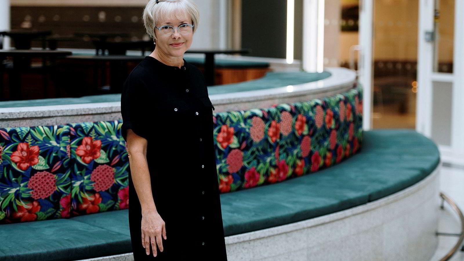 Judy Bollinger sier hennes personlige erfaring er at mannsdominerte miljøer er for lite flinke til å lære av feil eller forbedringer, og at det kan skape unødvendig risiko. Hun tror kvinner i bransjen har lettere for å slutte i jobben om det ikke legges til rette for familieliv.