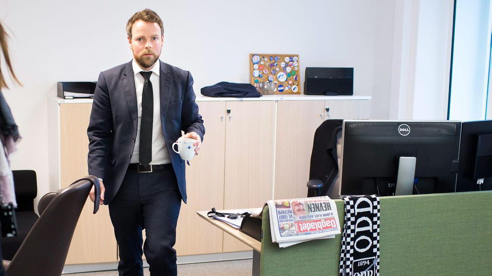 – Deler av kapitaluttaket er både i strid med ordlyden om at det ikke kan gi økonomisk utbytte, og formålet som er at pengene skal komme studentene til gode, sier kunnskapsminister Torbjørn Røe Isaksen.