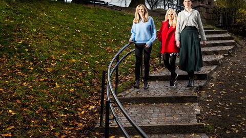 – Egen bransje er en kontinuerlig inspirasjon, sier eks-kirurg Marie Louise Sunde (til høyre), som sammen med Isabelle Ringnes (midten) skal til Stockholm for å delta i gründerprogrammet til Antler, her representert ved norgessjef i Antler, Anne Solhaug Tutar.