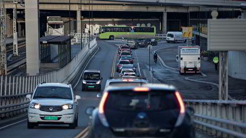 Av bevilgningene til veiformål er bompengeandelen på 20 prosent i den nye transportplanen.