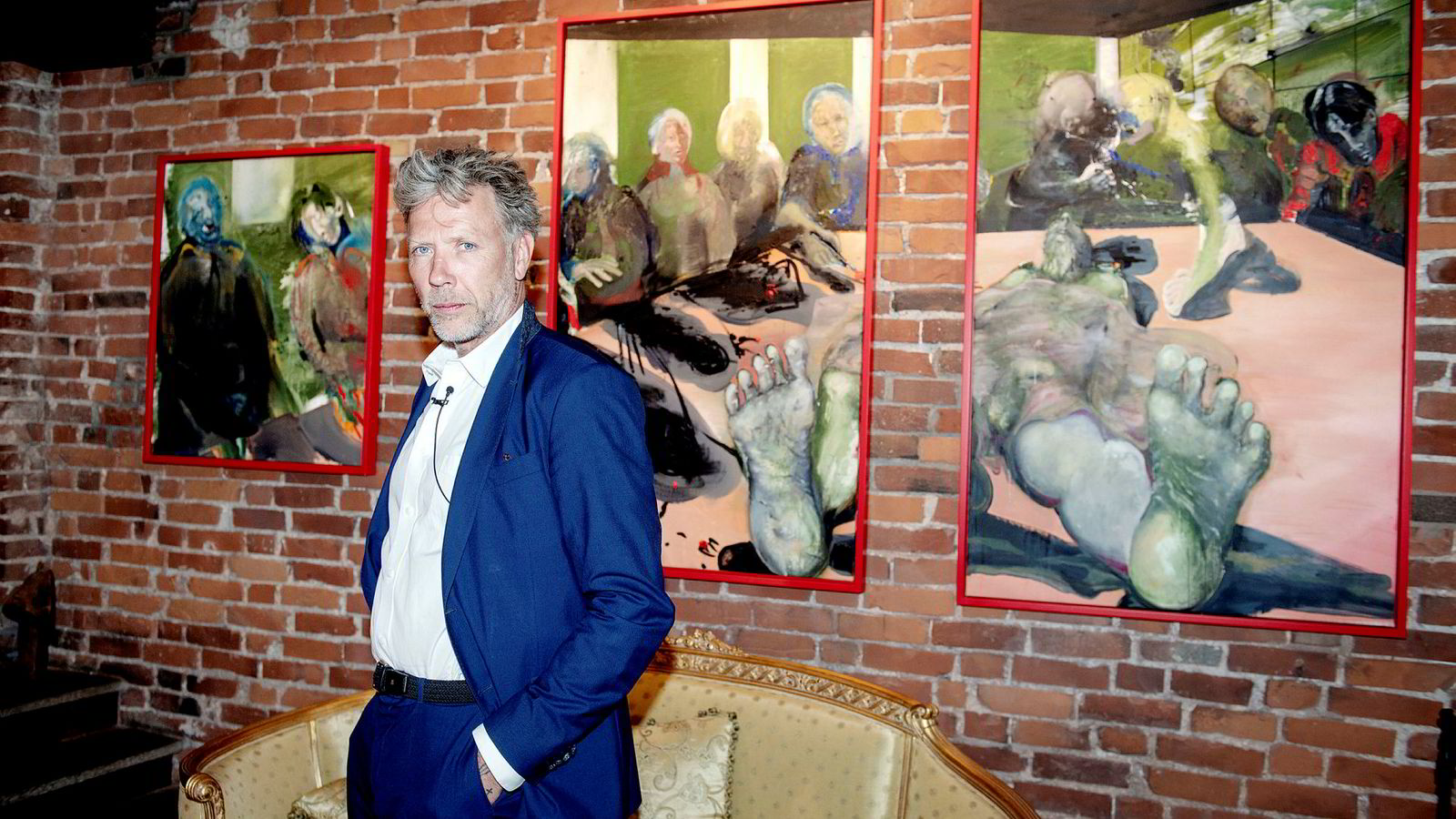 – Jeg begynte med malerier lenge før skuespilleriet, sa Mikael Persbrandt til DN før åpningen av sin egen utstilling på Galleri Nygaten i Bergen i slutten av mai.