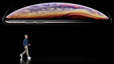 Apple-sjef Tim Cook inntok scenen for å vise de nye Iphone Xs- og Apple Watch-modellene i onsdag kveld.