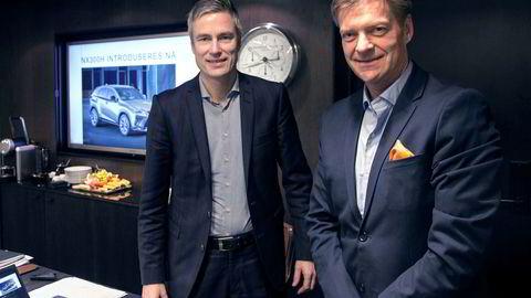 Lexus endrer strategi. Fra venstre Espen Olsen, informasjonssjef i Toyota Norge og Knut-Erik Jahnsen, sjef for Lexus.