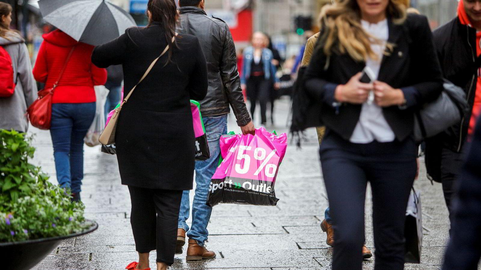 Norsk detaljhandel falt i oktober.