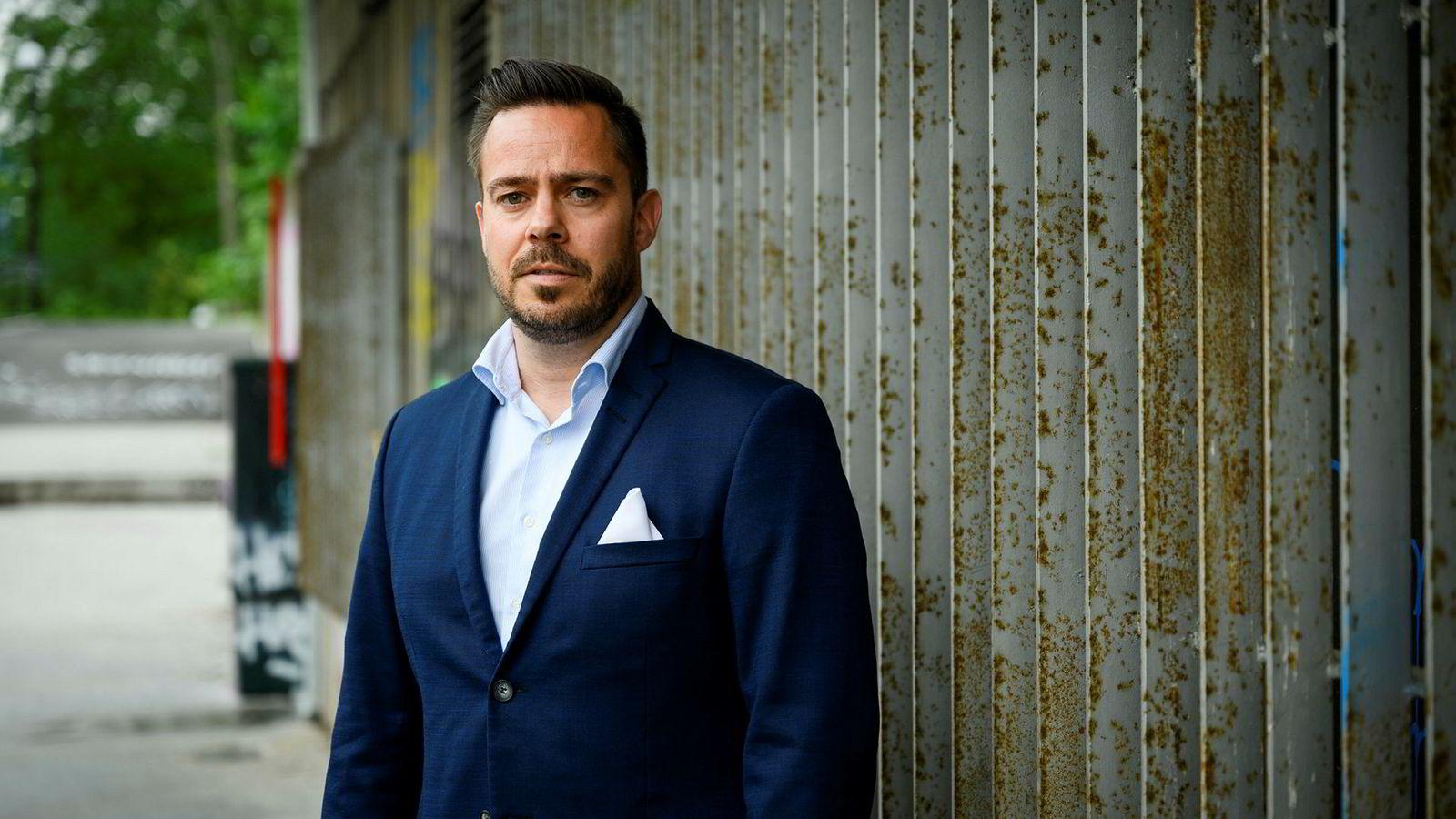 Henning Andersen jobbet i Verisure i nesten to år, og skal ifølge Andersen selv ha sittet i ett av møtene mellom Sector Alarm og Verisure.
