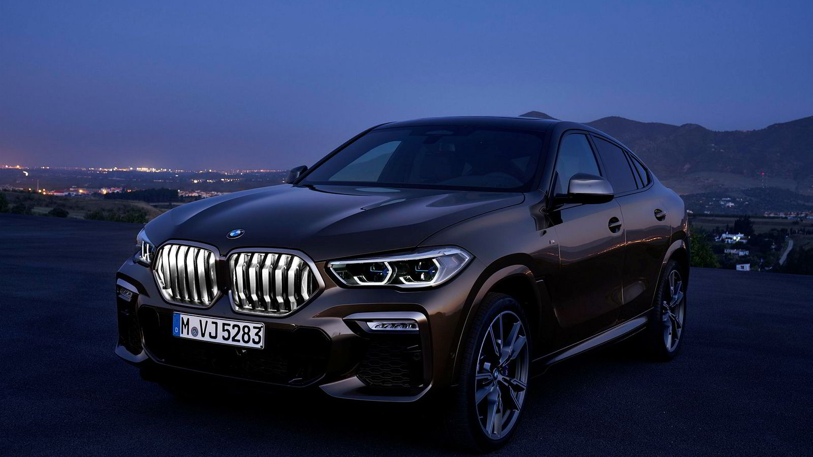 Grillen på den nye generasjonen BMW X6 kan lyses opp.