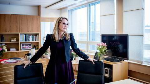 – DN har avdekket skremmende holdninger som fører til at menn sliter med å satse på karriere og fortsatt være tilstedeværende fedre, sier barne- og likestillingsminister Linda Hofstad Helleland.
