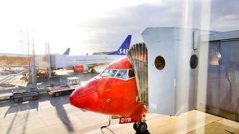 Norwegian har hatt problemer med å få passasjerene av gårde grunnet pilotmangel den siste uken. Her fra Gardermoen.