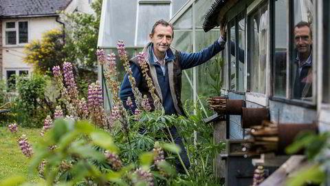 – Hvis vi vil redde insektene, og dermed også oss selv, må vi ta grep nå. Vi kan begynne i egne hager, sier den britiske insekteksperten Dave Goulson.