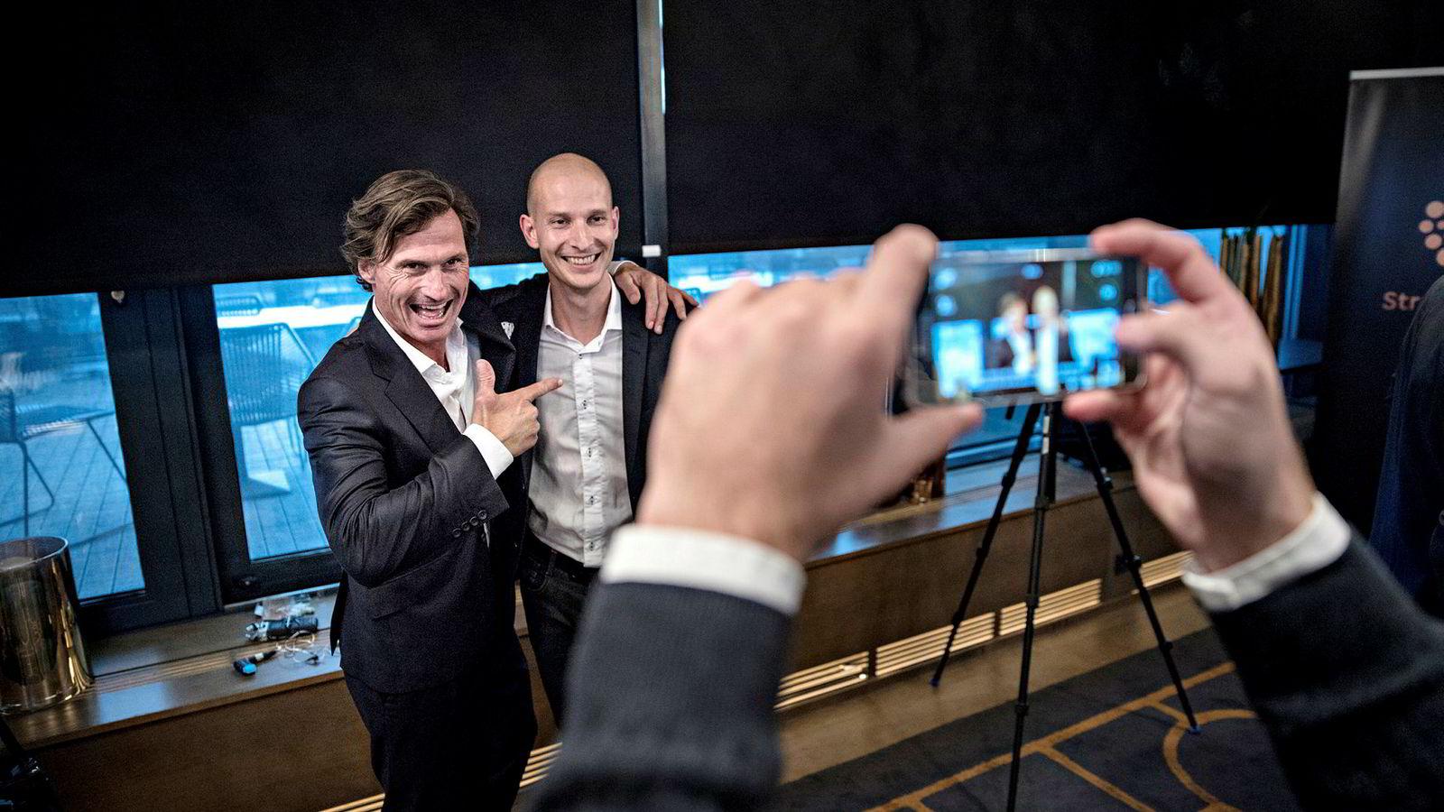 Edgeir Vårdal Aksnes (til høyre) og Tibber markerte seg først i hotellmilliardær Petter Stordalens gründerkonkurranse i 2016. Nå henter selskapet over 100 millioner kroner i en fersk emisjon.