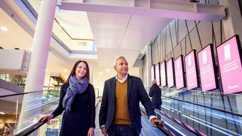 – Vi skal rett og slett bygge landets mest moderne handelskonsept, sier butikkleder June K. Gaupset i Ice som undersøker Storo kjøpesenter sammen med salgsdirektør Shiraz Abid.