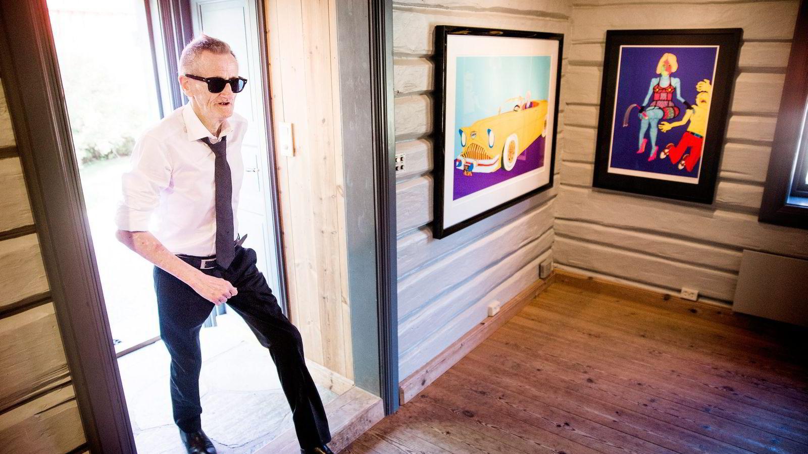 Utstillingen på Soli Brug galleri utenfor Sarpsborg er blitt tidenes salgssuksess for kunstneren Hariton Pushwagner (75). Foto: Frode Hansen, VG/NTB Scanpix
