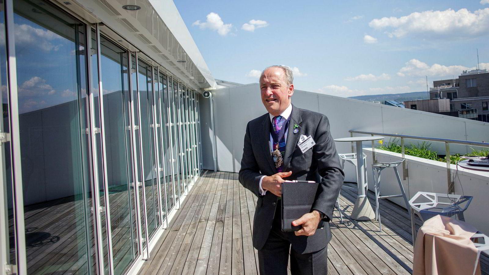 Borgermester Charles Bowman i City of London på besøk i Oslo, et av 32 land han er innom for å selge et utkast til brexit-avtale hverken den britiske regjeringen eller EU jubler for, i hvert fall foreløpig.
