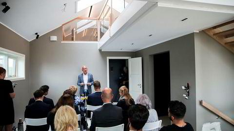 Nytt forslag til integreringsplan ble lagt frem av kunnskaps- og integreringsminister Jan Tore Sanner på en byggeplass i Oslo fredag.