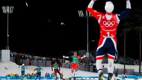 Langrennsduoen Johannes Høsflot Klæbo og Martin Johnsrud Sundby gikk inn til gull på lagsprinten under OL i Pyeongchang onsdag. 819.000 seere fikk med seg finaleløpet på TVNorge. Foto: Reuters/NTB Scanpix