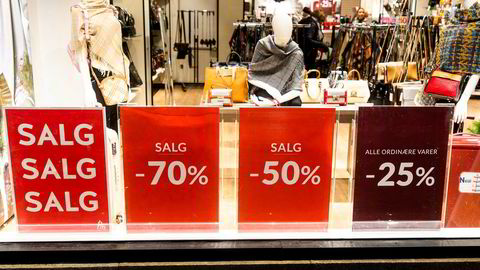 Detaljomsetningsindeksen falt 1,8 prosent i desember, ifølge SSB.