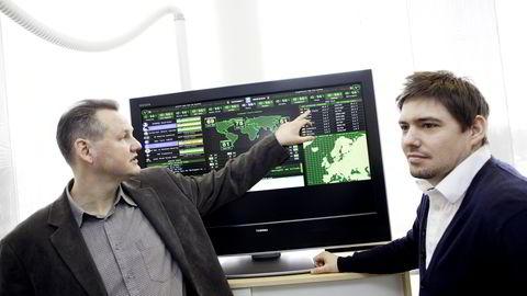 Vidar Sandland (t.v.) og Hans Marius Tessem, rådgivere ved Norsis.  Foto: Øyvind Elvsborg