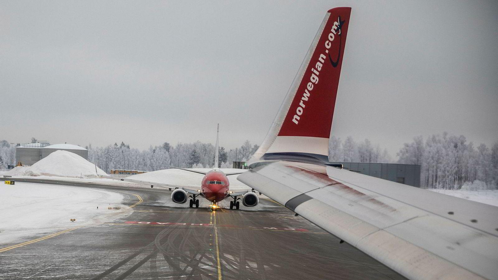 Norwegian kan glede seg over kraftig passasjervekst og storgevinst på sikring av drivstoffpriser så langt i år. Her fra Gardermoen.