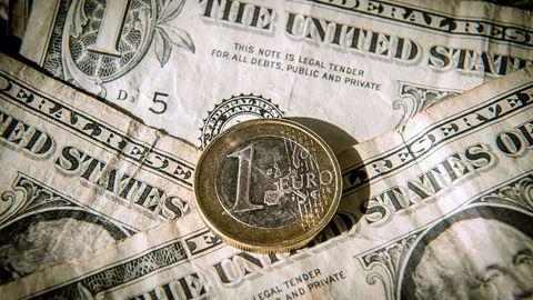 Danske Bank Markets venter at rentemøtet i USA og nøkkeltall på begge sider av Atlanteren kan bevege dollaren og euroen denne uken. Foto: Philippe Huguen, AFP/NTB Scanpix