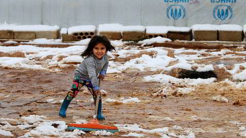 Tidlig i januar kom vinterens første snøfall i Libanon. FNs høykommissær for flyktninger melder at vinterværet gjør livet tøffere for de mange syriske flyktningene i landet. Foto.: AFP/NTB Scanpix
