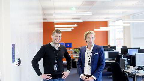 Sparebank 1 har kommet opp med crowdfundingplattform på kort tid, etter at de satte ned et team som jobber som gründere. F.v: Jostein Emmerhoff, leder i utviklingsavdelingen i Sparebank 1 og Christoffer Hernæs, direktør for strategi, innovasjon og digitalisering i Sparebank 1. Foto:
