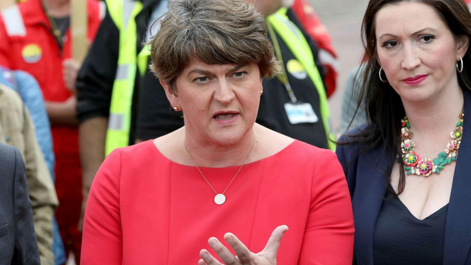 DUP-leder Arlene Foster støtter Boris Johnson.