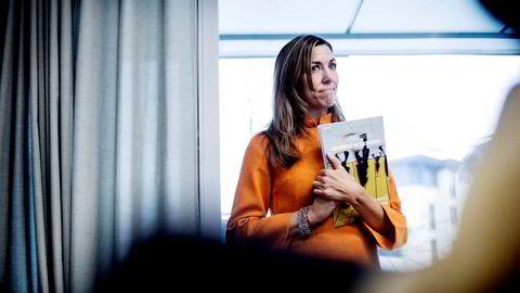Energianalytiker Thina Saltvedt deler IEAs frykt for oljeprishopp. Oljeprisen kan gå langt over 100 dollar fatet.