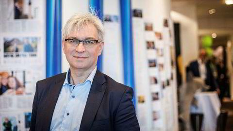 André Skjelstad vil at flere større kommuner i regionsentrene skal slå seg sammen.