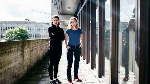 Lånekassen stengte utbetalingen til skole uten å varsle. Ingrid Ravnanger (19, til høyre) og venninnenRandi Widjaja Melberg (20) ble overrasket da de ikke får støtte til studiene.