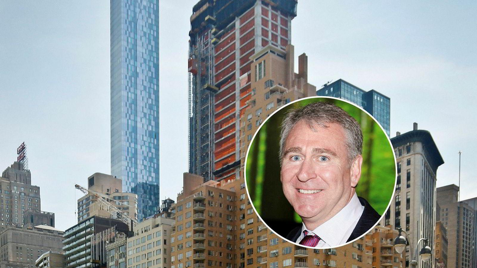Forvalter og grunnlegger av hedgefondet Citadel, Ken Griffin (innfelt), har kjøpt tidenes dyreste bolig i USA. Han betaler tilsvarende to milliarder kroner for en leilighet i 220 Central Park South, New York, her fotografert under bygging.