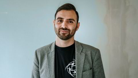 Hicham Chahine, sluttet som hedgefondforvalter i Formuesforvaltning for å bygge e-sportslaget Nip (Ninjas in Pyjamas) som nå er verdsatt til 500 millioner kroner. Foto: Fartein Rudjord.