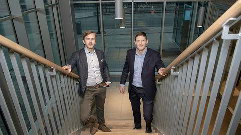 Kredittanalytiker Ole André Kjennerud (til venstre) og Henning Sørlie i DNB Markets. Det har vært rekordår i det nordiske høyrentemarkedet.