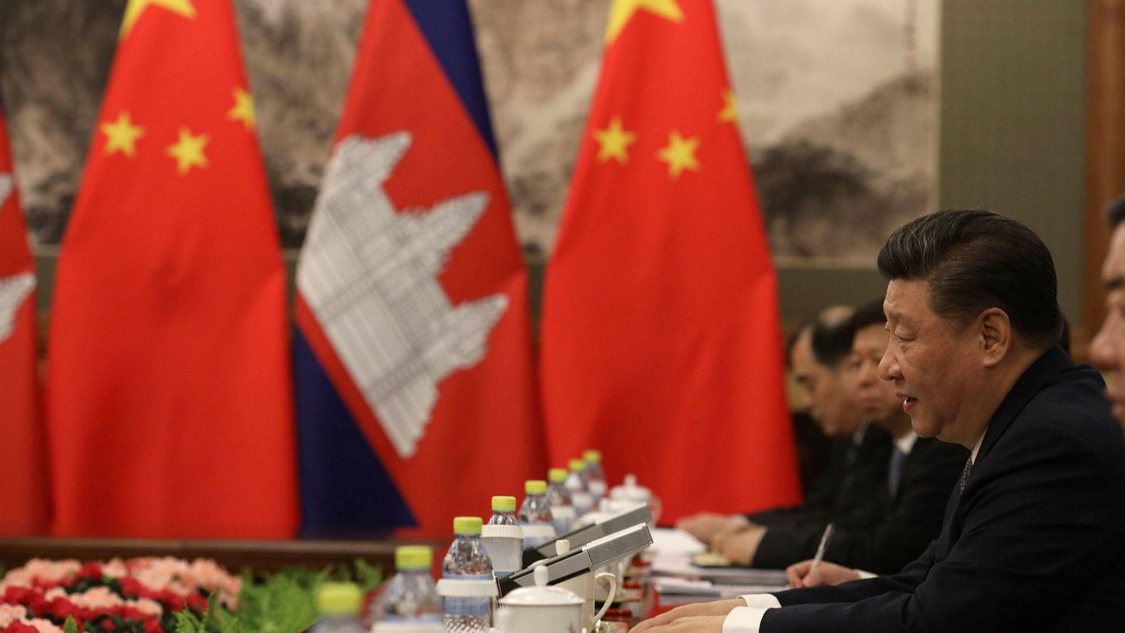 Kinas president Xi Jinping er bekymret for hvordan kommunistpartiet skal opprettholde makten og innflytelsen i det kinesiske samfunnet. En svak økonomi, hvor det kan komme uforutsette og alvorlige hendelser, skaper uro.