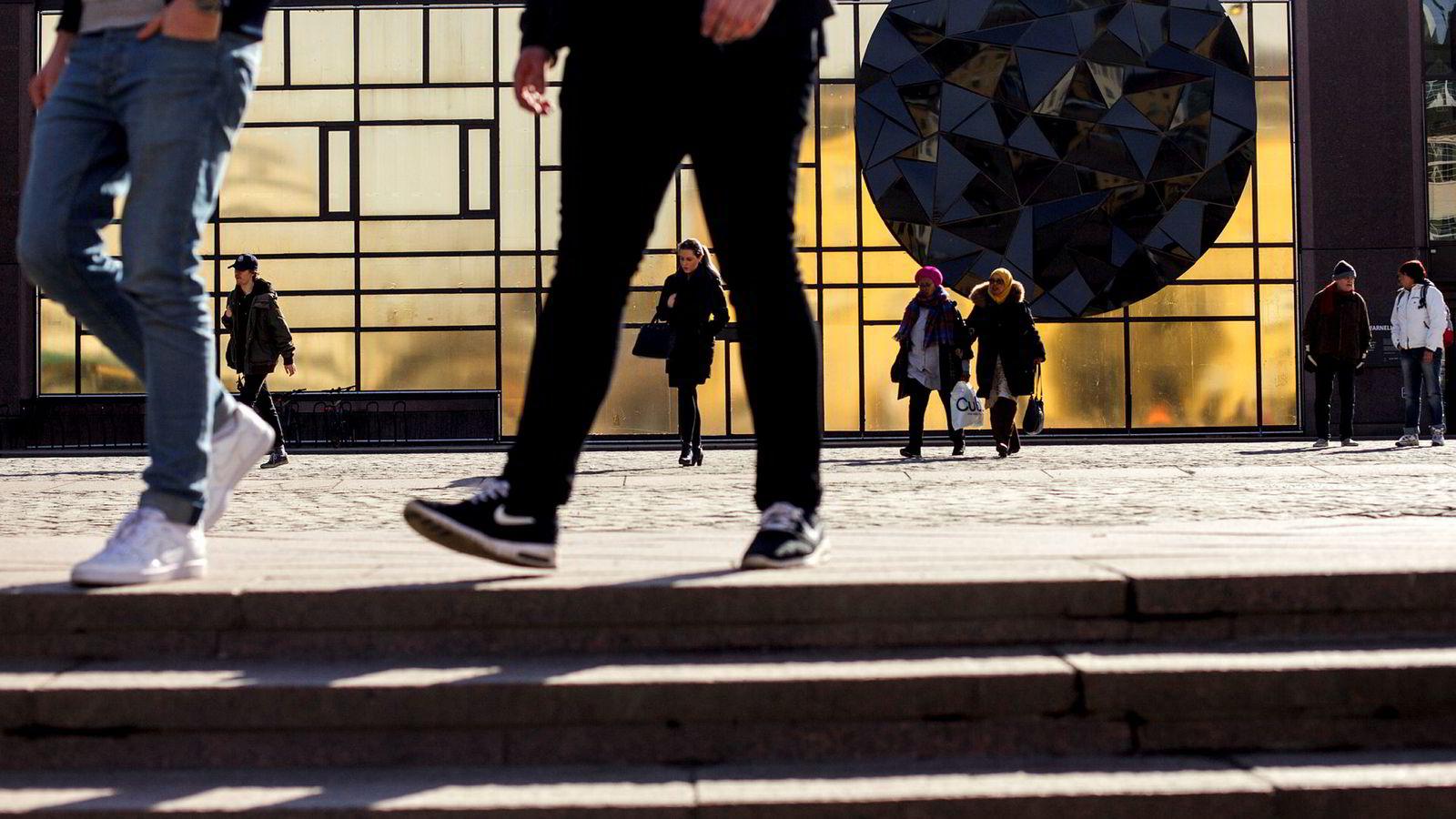 Mange som mottar tjenester fra Nav både kan og vil jobbe, men de mangler kvalifikasjoner til å komme inn i vårt stadig mer moderne arbeidsmarked. Derfor har Stortinget og regjeringen gjentatte ganger bedt om at kompetansetiltak skal prioriteres for Nav-brukere under 30 år, skriver artikkelforfatteren.