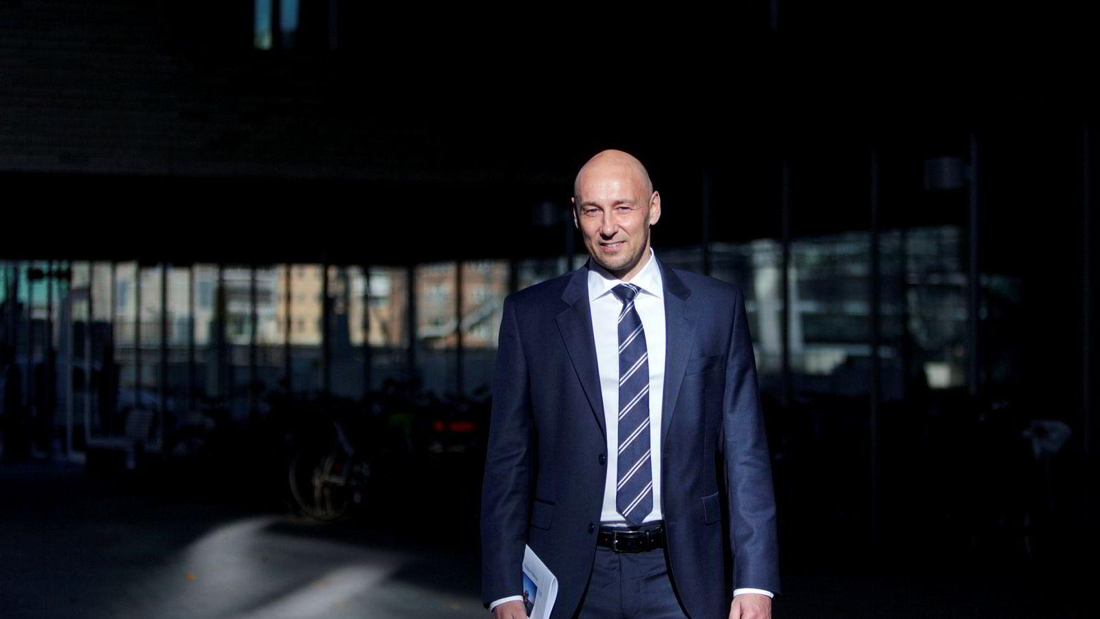 Helge Andre Martinsen, sjef for oljeanalyse i DNB, er mer usikker enn noen gang.