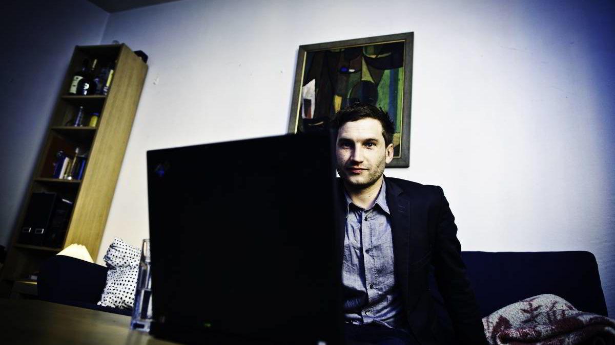 Dispositional faktorer forutsi bruk av online dating sites og atferd knyttet til online dating