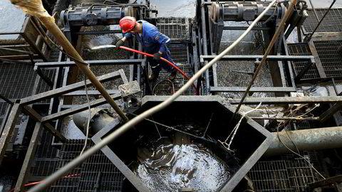 Avfallsrester fra oljeboring i Venezuela blir lagret i en container av det statlige venezuelanske oljeselskapet PDVSA.