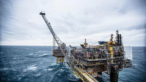Oljeprisen faller tirsdag morgen. Foto: Gunnar Blöndal