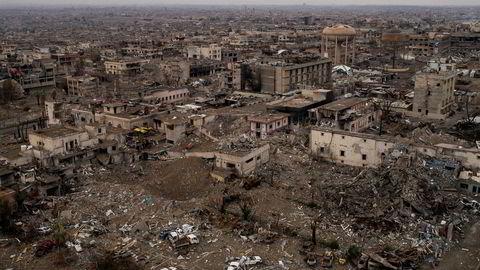 Ødeleggelsene i Irak etter krigen er enorme. Her fra storbyen Mosul, som nærmest er jevnet med jorden.