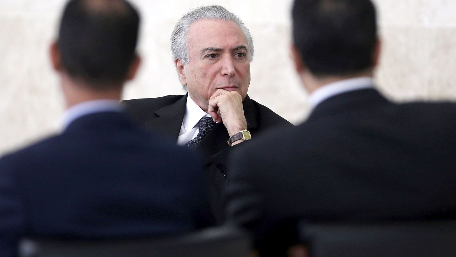Brasils hardt pressede president Michel Temer her under en diplomatisk seremoni i Brasils hovedstad Brasilia forrige uke. Foto: REUTERS/Adriano Machado/NTB Scanpix