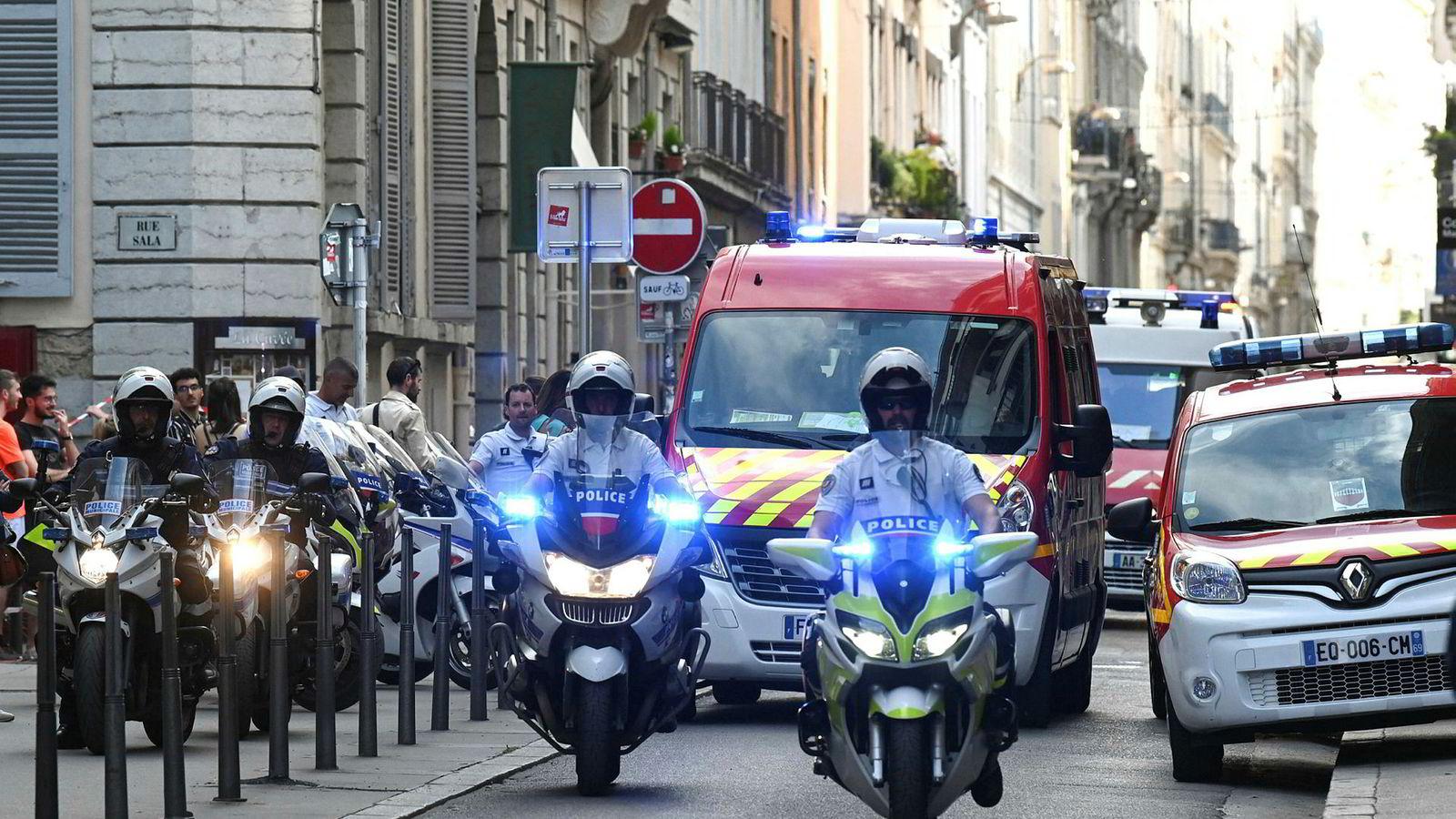 Politiet og nødetatene var raskt på pletten i Lyon.