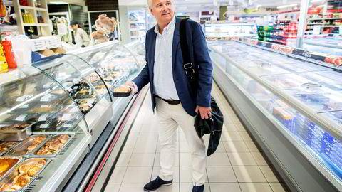 Spar og kjededirektør Ole Christian Fjeldheim tar opp kampen med utfordrerne på nett. Varene skal plukkes i butikkene.                   Foto: Gunnar Blöndal